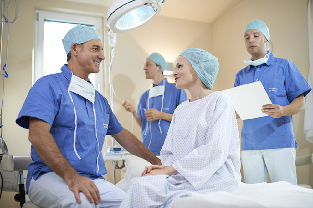 Der Ästhetisch-Plastische Chirurg Dr. Markus Klöppel hat höchste Qualitätsansprüche an seine Arbeit und bereits zahlreiche Auszeichnungen erhalten.