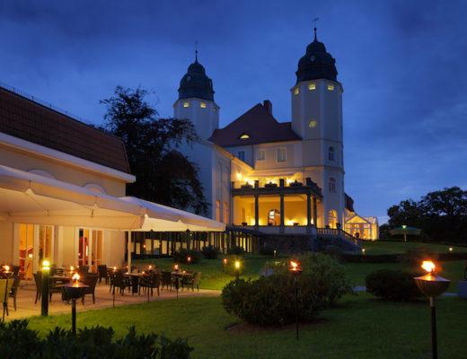 Allein die Aussicht auf ein Wochenende im Schlosshotel Fleesensee lässt den Stresspegel augenblicklich sinken. Die Erwartung wird nicht enttäuscht